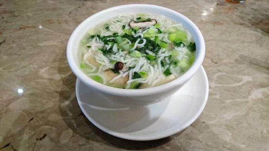 翡翠拉麵小籠包青菜燴麵