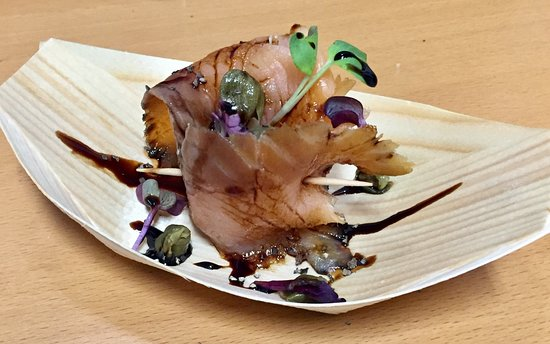The Courtside Restaurant: Smoked Salmon with Capers and a Balsamic Glaze