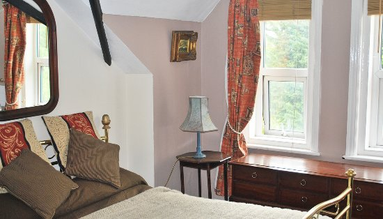 hillview chat rooms Hill view is a family run 3 bedroom bed & breakfast situated in silvermines village just 8kms  hillview b&b silvermines  music, dancing and having a chat .