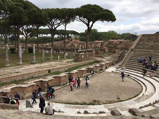 Ostia Antica, Italy: Театр