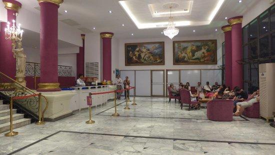 ทิฟฟานี โชว์ พัทยา: Lounge area