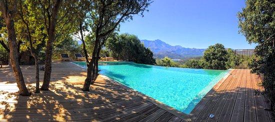 Monticello, ฝรั่งเศส: Seconde piscine détente