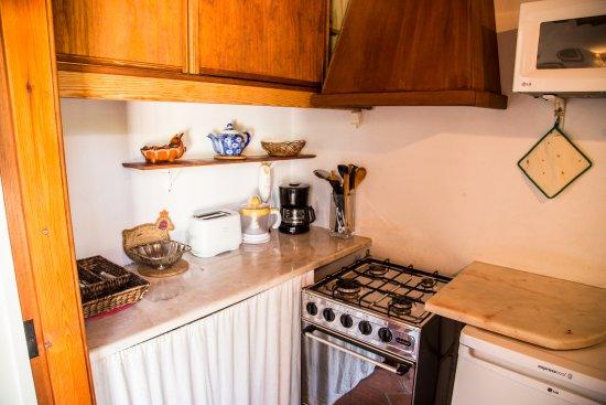 Ourem, Portugal: kitchenette