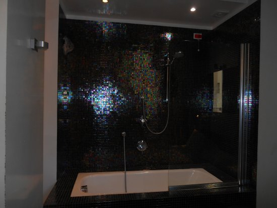 la bellissima e romantica vasca da bagno - Picture of Baci da Roma ...