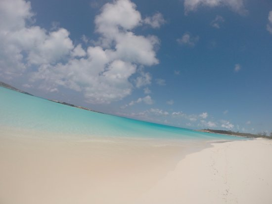 Out Islands: Tropic of Carcer beach