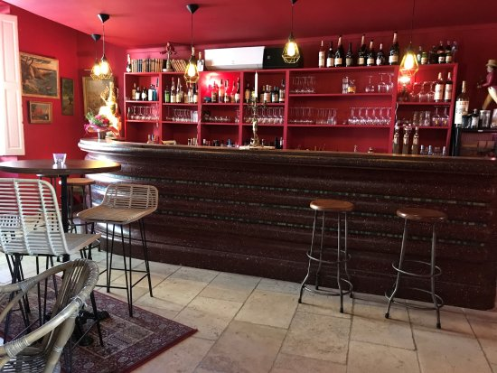 Pernes-les-Fontaines, Frankreich: vue du bar