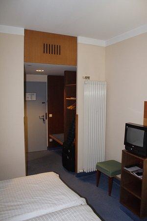 axxe motel dresdner tor sud 3 tripadvisor. Black Bedroom Furniture Sets. Home Design Ideas