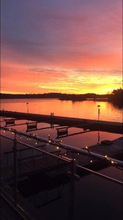 Varmdo, Schweden: Vackra solnedgångar skådas här var och varannan dag