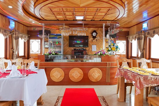 Halong Bay Wow Day Cruise