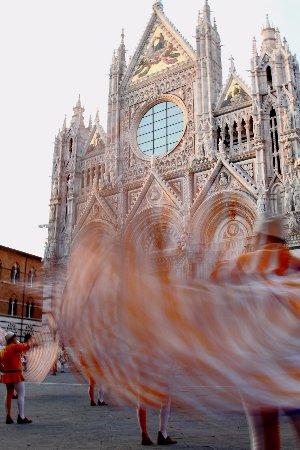Grand Hotel Continental: Piazza Duomo