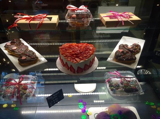 Hattiesburg, MS: Holiday cakes & treats