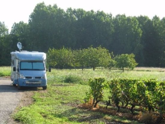 Mareuil-sur-Cher, France: accueil campingcars