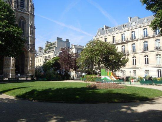 Square Samuel Rousseau