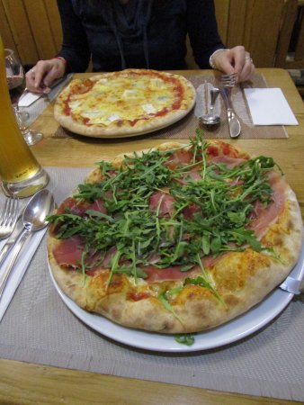 Marcello Pizzeria: What to expect if you order a pizza at Marcello's