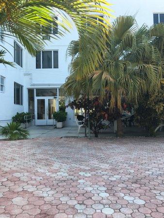 Tropics Hotel & Hostel: photo2.jpg