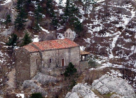 San Dorligo della Valle-Dolina, Italia: S.Maria in Siaris: veduta invernale