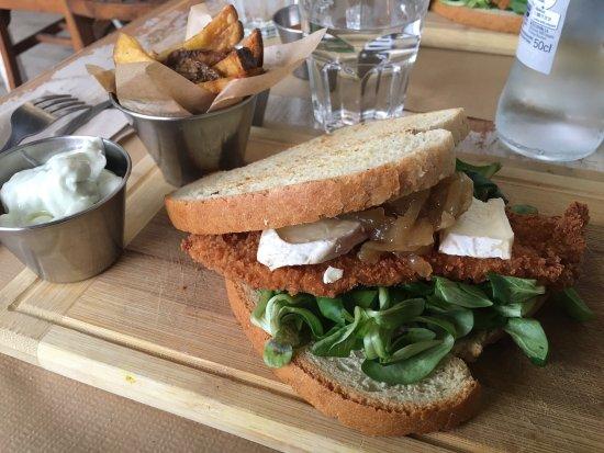Noviembre: Menu para comer: 7,5€. Sandwich, bebida y postre