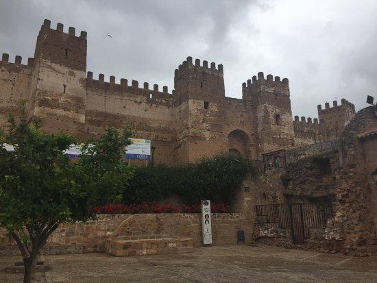 Castillo de ba os de la encina picture of banos de la - Banos de la encina ...