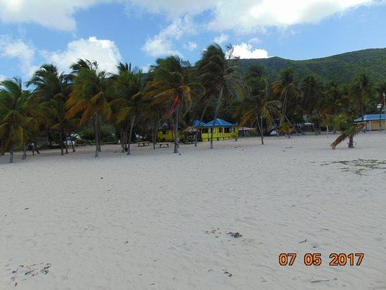 Grand Bourg, Guadeloupe: Plage face à l'hôrel