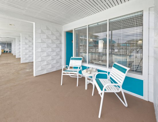 All Guest Rooms Feature Semiprivate Balcony Or Patio Area - Patio balcony