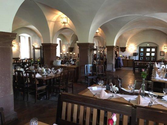 photo0.jpg - Bild von Klosterschänke, Pfortenhaus Kloster Eberbach ...