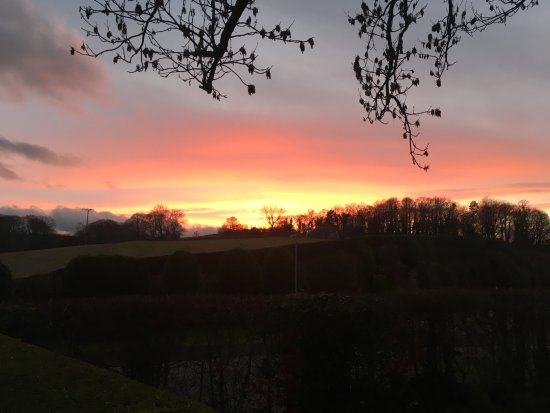 Kirkby Stephen, UK: Sunset view from our camping field