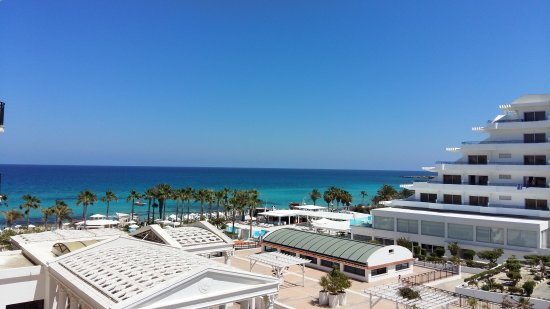 Constantinos the Great Beach Hotel: 20170425_134702_large.jpg