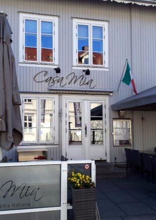 Restaurant exterior picture of casa mia ristorante - Mia la casa italiana ...