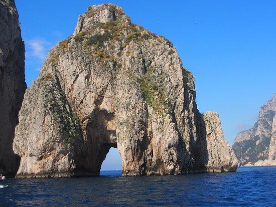 You Know! - Boat Excursions & Service : I Faraglioni