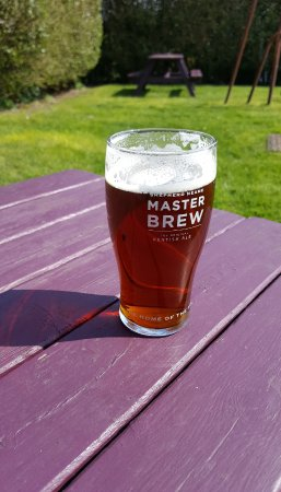 Bexhill-on-Sea, UK: Enjoying a pint on a sunny day!!