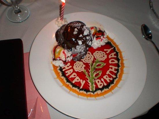 Pappadella's : Chocolate molten lava cake