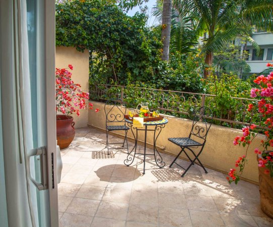 Best Western Plus Sunset Plaza Hotel: All our Terrace Rooms have private patios