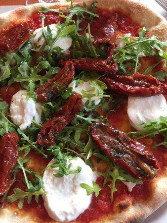 Bole, Szwajcaria: Pizzas excellentes entre 16 et 23 frcs