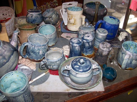 Lake Toxaway, Carolina del Norte: My pottery we sell wholesale or retail