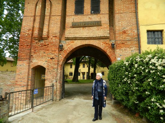 Cozzo, อิตาลี: Entrata