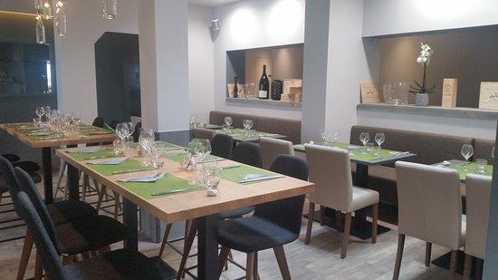 Saint-Rambert-d'Albon, فرنسا: Salle restaurant