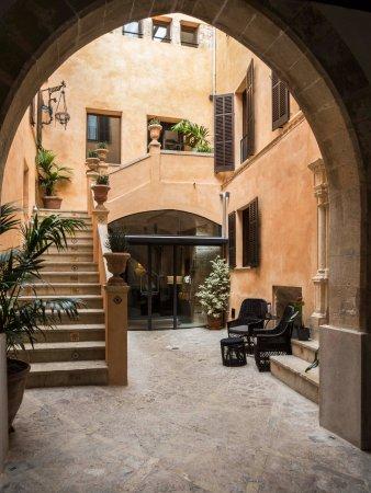 Posada Terra Santa: Entrance to hotel