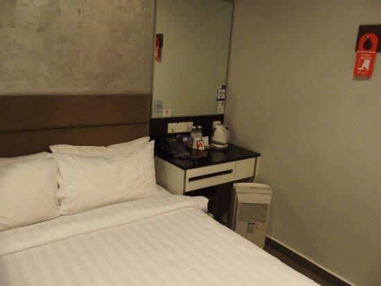 Fragrance Hotel - Bugis: 客房裡面