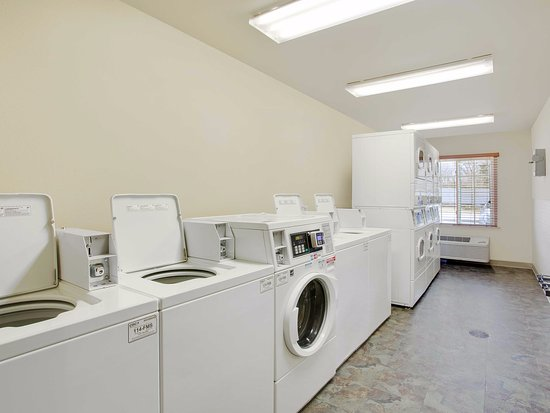 Camp Springs, MD: Laundry Room