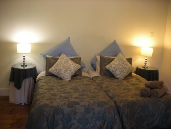 Cliff Cottage: Twin bedroom