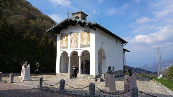 Magreglio - Chiesetta della Madonna del Ghisallo.