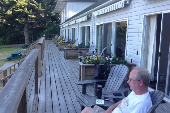 Gabriola Island, Canada: Peaceful beautiful deck