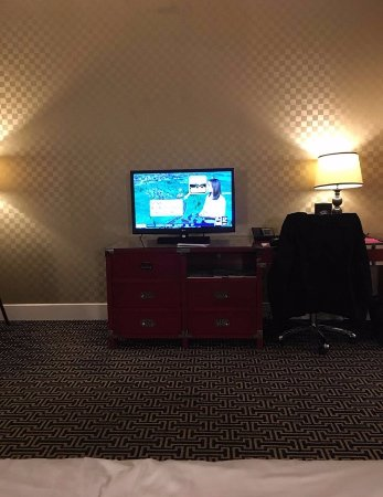 Kimpton Hotel Monaco Baltimore Inner Harbor: Large room! Perfect for Family