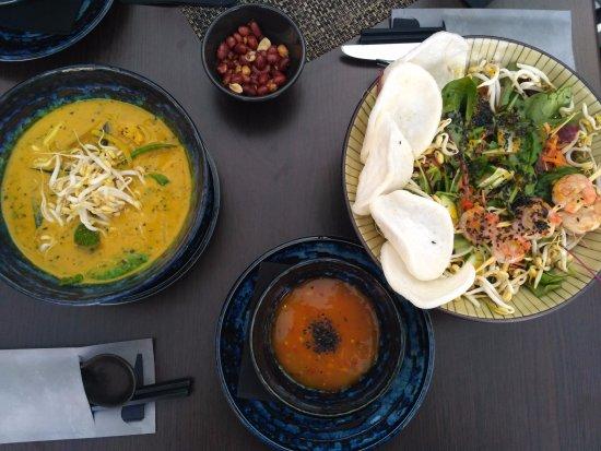 Trnava, Slovakia: Thajské curry, krevetový salát a mangové čatní