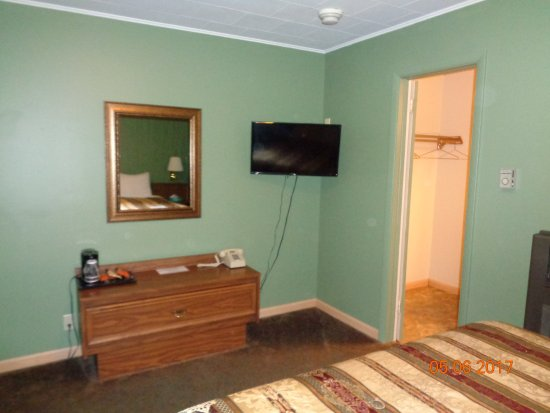 Yates Center KS Townsman Motel Room 10