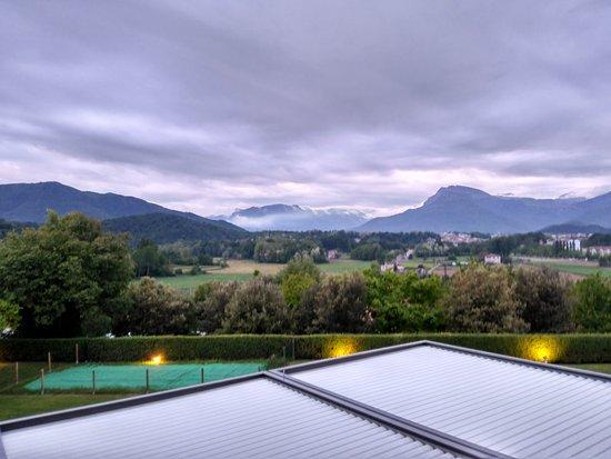 Hotel Riu Olot: Vista desde la terraza al atardecer.