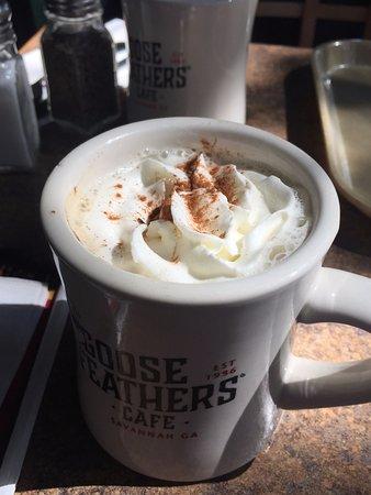 Goose Feathers an Express Cafe & Bakery: Dulce de Leche latte
