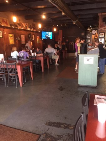 Springfield, TN: Willie Mae's