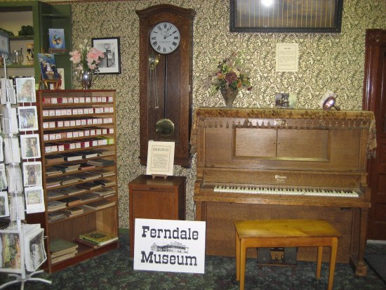 Ferndale Museum : Player piano: lots of songs to choose from and the children never tire of it (neither do we).