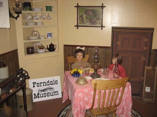 Ferndale Museum : The side pantry, filled with what looks like your great-grandmother's stuff.